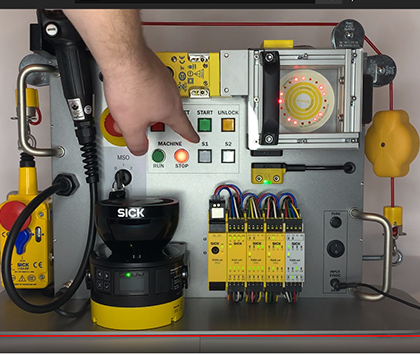 """SORT Review – SICK Safety Demo Box """"E100 Safety Command Device"""""""